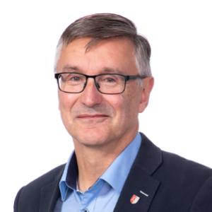 Jukka Turunen hymyilee kuvassa