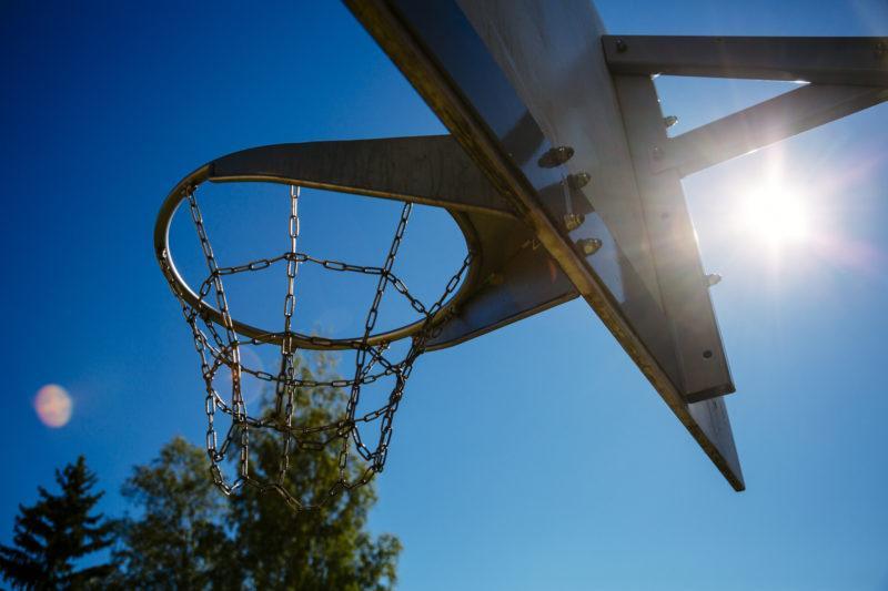 Kuva koripallotelineestä