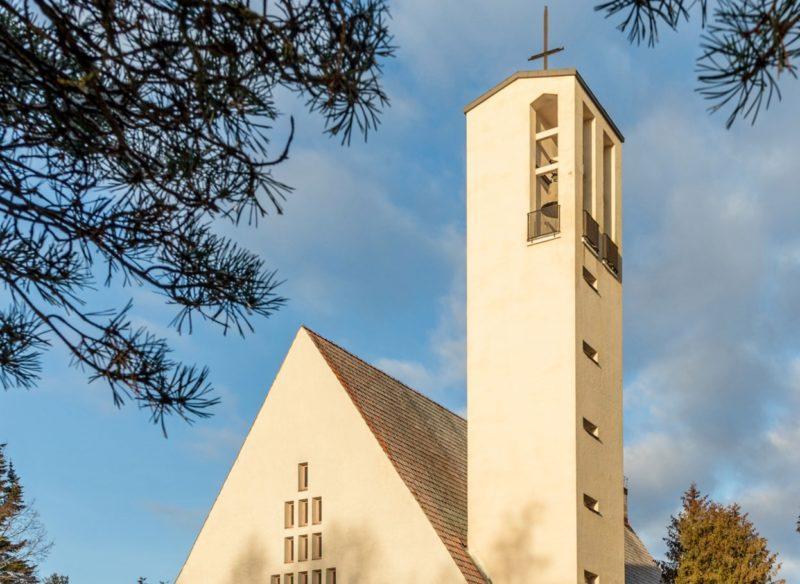 Viialan kirkon torni